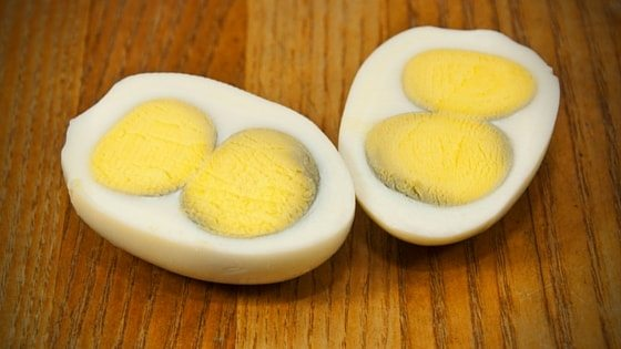 Why Double Yolk Eggs Aren't Anything To Worry About