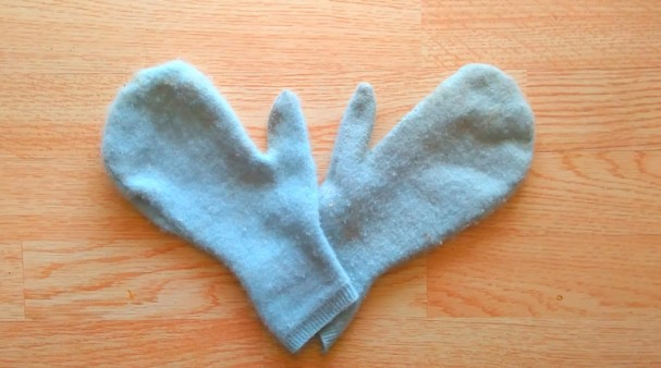 Repurpose old sweaters into mittens with this pattern!