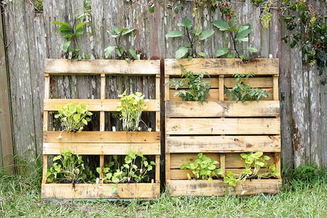 20 Easy As Heck DIY Pallet Projects
