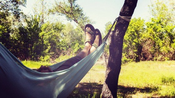10 Ridiculously Easy Ways to Stay Cool in Summer Without Power