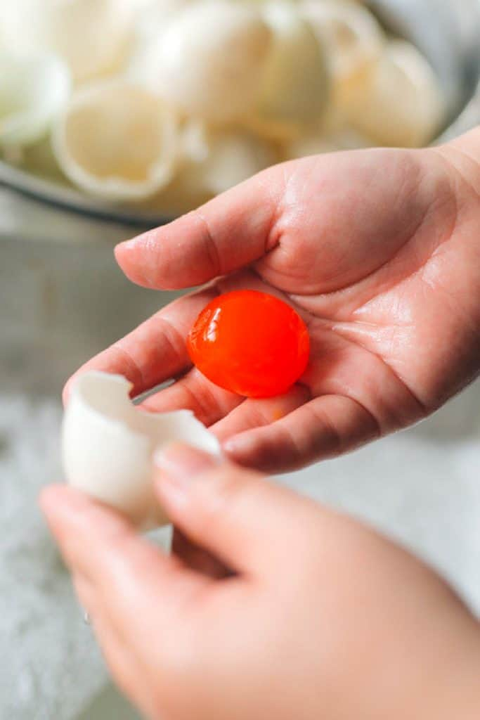Change The Color Of Chicken Egg Yolks
