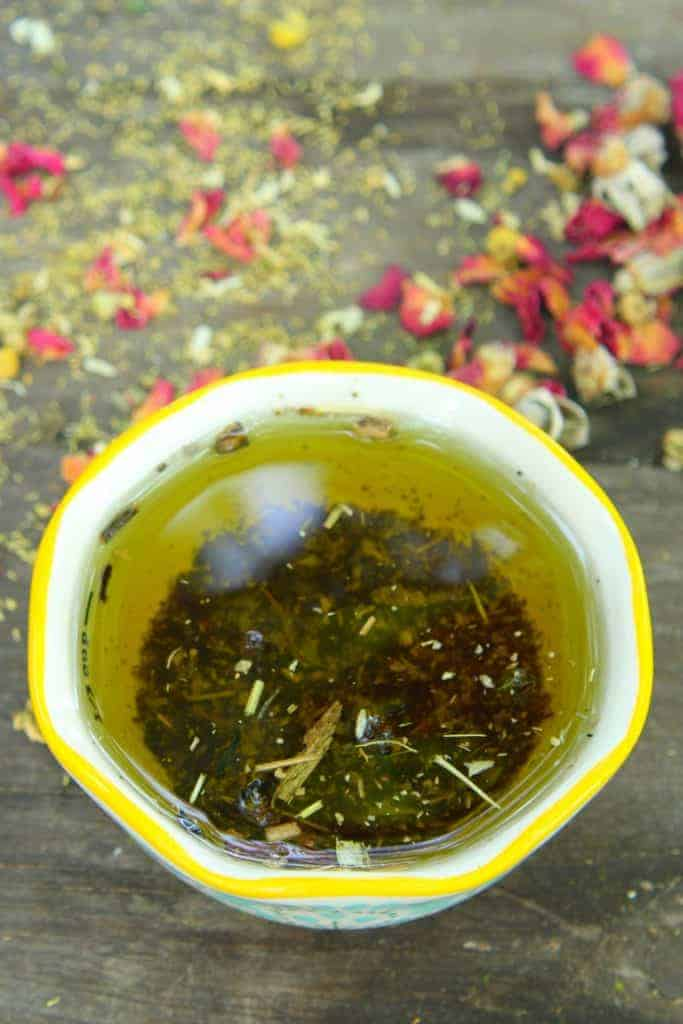How to infuse oil with herbs