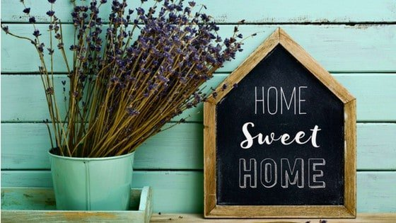 5 Chicken Coop Signs So Adorable, You'll Want To Steal 'Em!