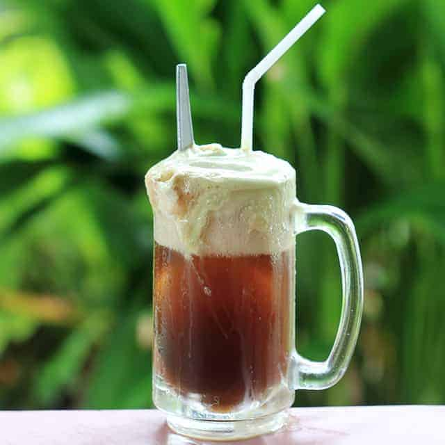 Make Your Own Delicious Homemade Root Beer!