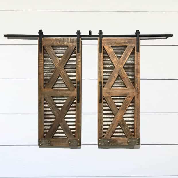 Farmhouse Sliding Door Wall: 9 Chicken Themed Home Decor Ideas
